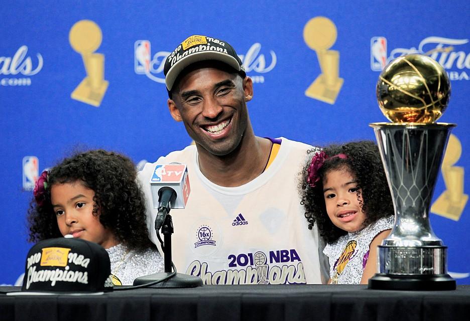 Коби Брайант был баскетбольным божеством Лос-Анджелеса Фото: REUTERS