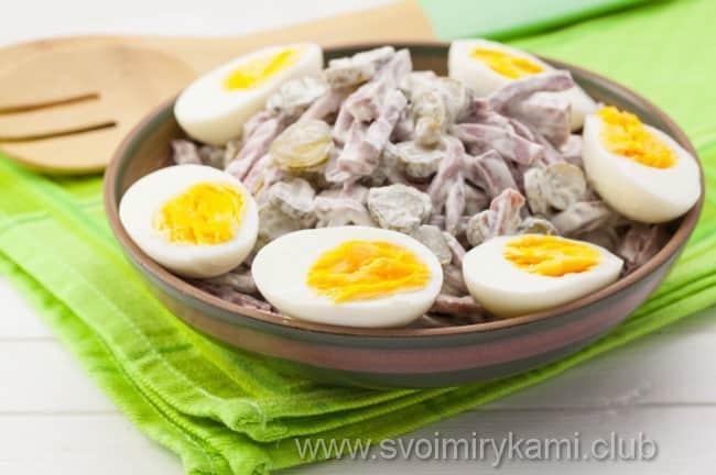 Готовый салат с языком можно приготовить дома