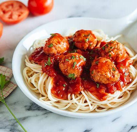 Как приготовить тефтели в томатном соусе на сковороде, в духовке и в мультиварке по пошаговому рецепту с фото